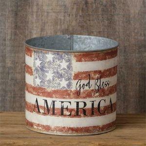 God Bless America – Round Flag Distressed 6″ Tin